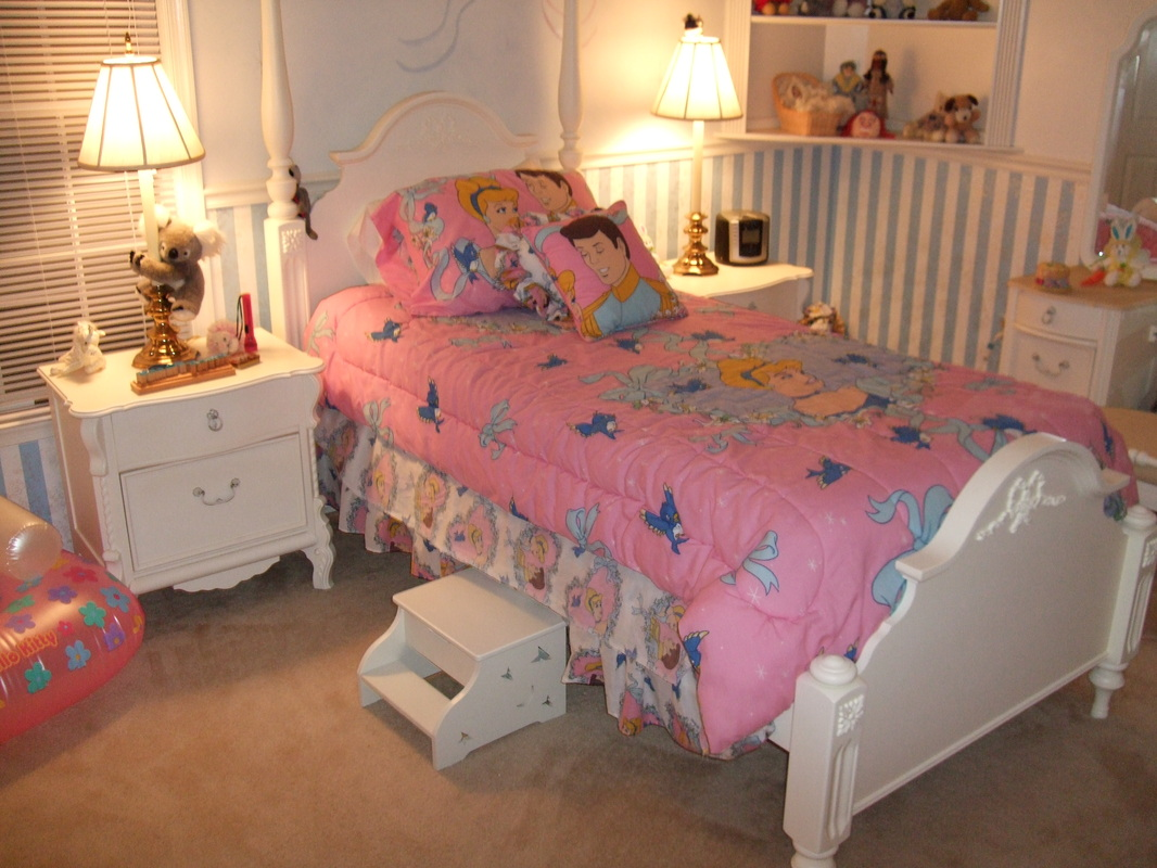 Girls bedroom set furniture for sale to a good home for Girls bedroom furniture